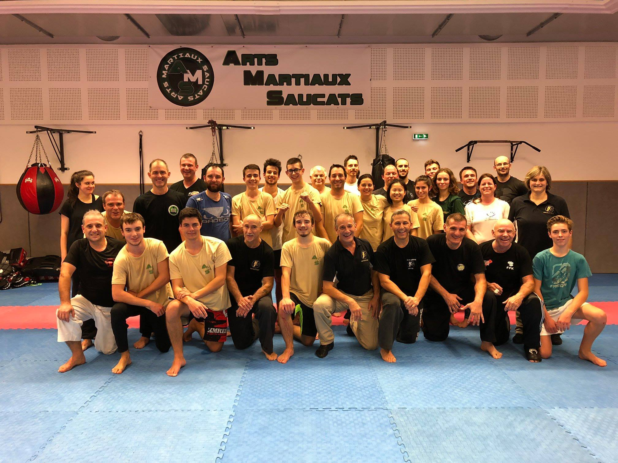 Photo de groupe stage karate defense novembre 2018
